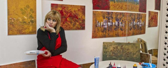 Alessandra Mussolini scopre la pittura e si mette in mostra (gallery)