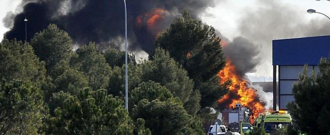 Incidente F-16 in Spagna: tra i 12 italiani feriti è grave un maresciallo