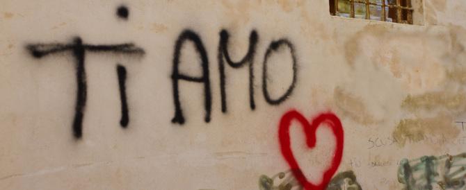 Se scrivi su un muro sei imbecille: parola del Pd. Ma se fai graffiti…