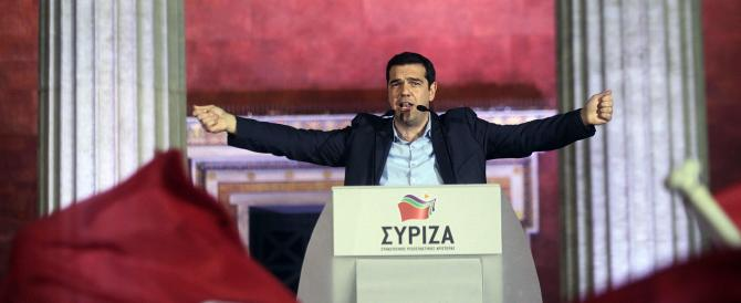 Tsipras trionfa e ottiene 149 seggi. Una vittoria che fa crollare l'euro