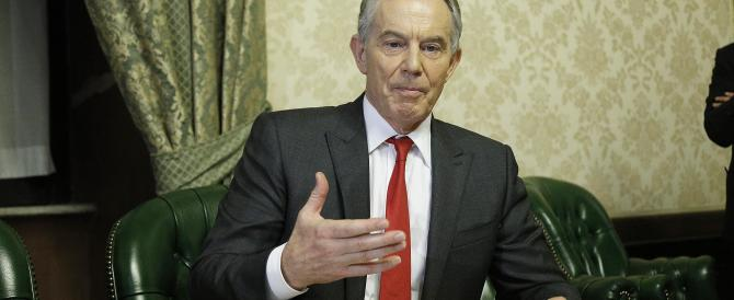 """Blair nella bufera: ora lo accusano di essere stato """"amico"""" di Gheddafi"""