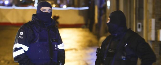 Blitz contro una cellula jihadista in Belgio. Due uccisi, uno arrestato