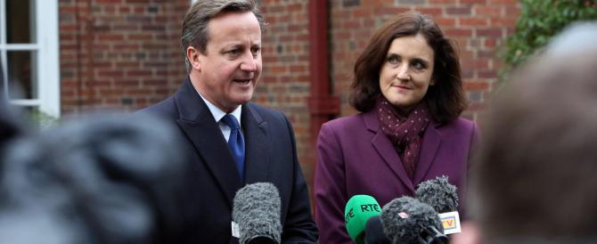 Cameron chiede ai musulmani di integrarsi. E loro protestano