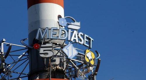 """La """"bomba"""" di Travaglio: «Berlusconi vende Mediaset, c'entra il Patto…»"""