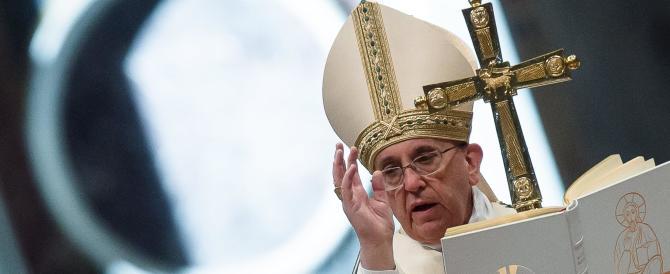 Congratulazioni al neoeletto: Papa Bergoglio batte tutti sul tempo