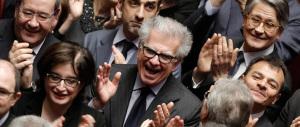 «Mattarella non è il mio presidente», «Meglio lui di Prodi»: il web s'infiamma