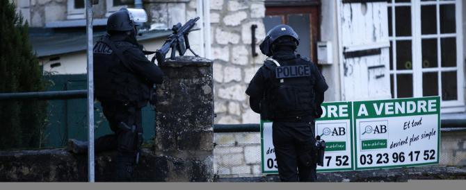 Scovati i due terroristi islamici: sparatoria e presa di ostaggi