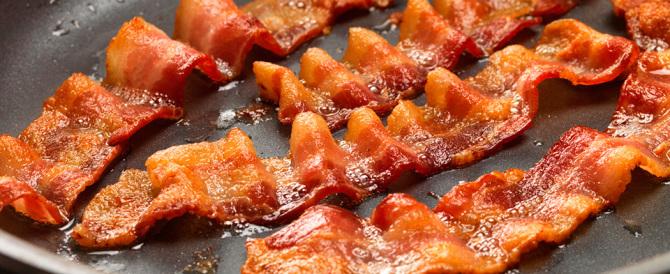Niente più bacon ai ragazzini inglesi nelle scuole: offende islamici ed ebrei