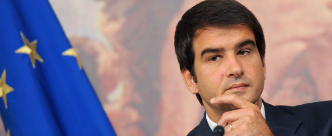 Forza Italia, Fitto raduna i suoi e assicura: noi solo contro Renzi