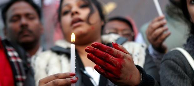 Nuovo orrore in India: bimba di 7 anni stuprata e uccisa a una festa di nozze