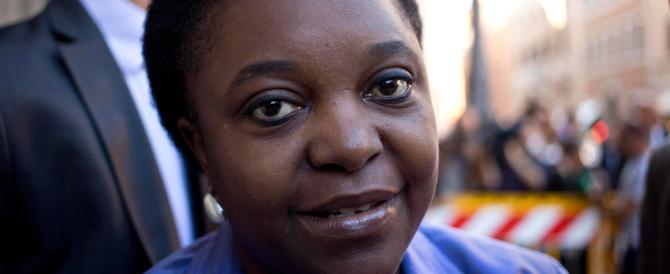 Torna la Kyenge: parla dei migranti, difende Mare Nostrum (e gli sbarchi)