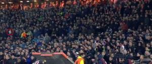 Feyenoord, polizia olandese indecente come i tifosi. Barcaccia vendicata