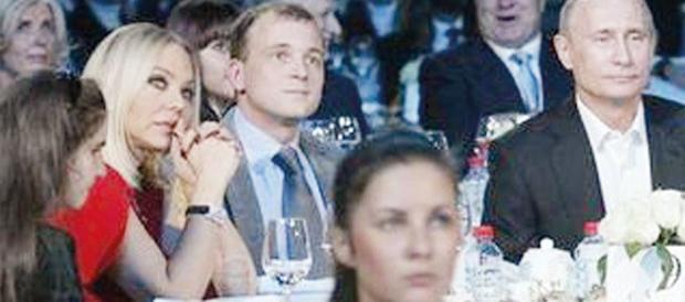 Si diede malata, era a cena con Putin: Ornella Muti condannata per truffa
