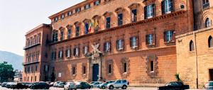Alla Regione Sicilia i vitalizi si ereditano: basta un eletto nell'albero genealogico
