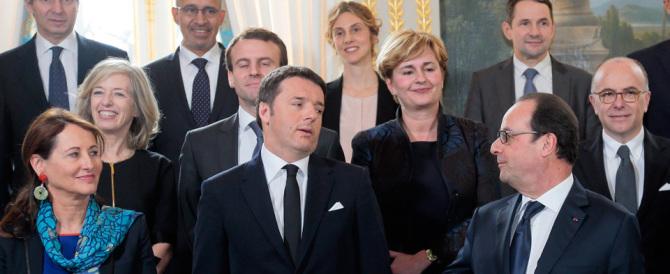 """Con Hollande, Renzi fa il """"Bernacca"""": «Sull'Italia ha smesso di piovere»"""