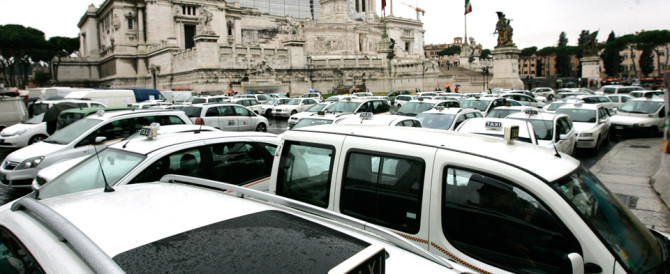 Arriva Mattarella. E la Roma di Marino va in tilt sotto la pioggia