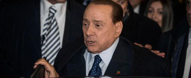 """Niente azzeramento: Berlusconi respinge le dimissioni dei """"big"""""""