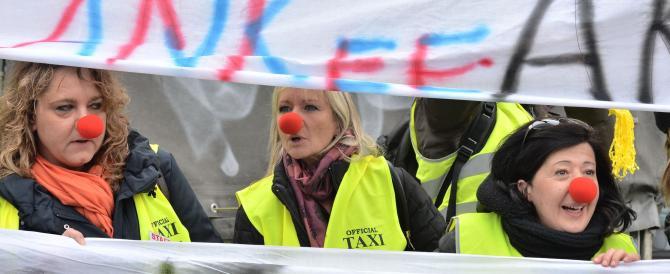 Tassisti da tutta Italia a Torino contro Uber: proteste e minacce