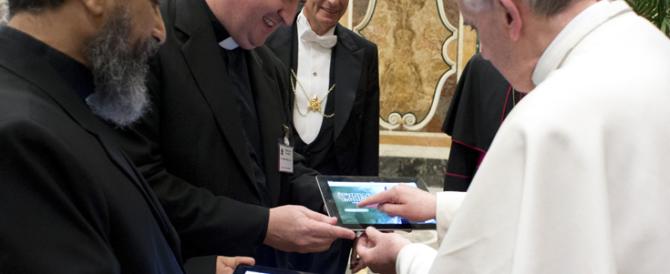 Quaresima su WhatsApp: la nuova frontiera della chiesa di Bergoglio