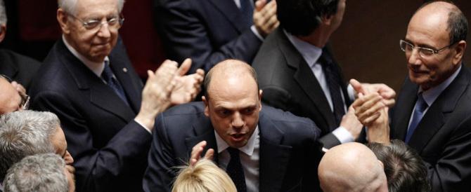 Naufragio Ncd: «Addio Alfano addio, l'armata se ne va». E lui barcolla