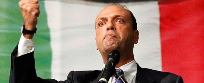 «Leccapiedi, voltagabbana»: su Ncd l'ira degli elettori in fuga da Alfano
