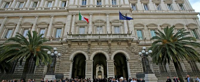 Banca dell'Etruria, spuntano i nomi delle Coop e degli amici di Renzi