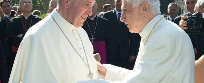 Vaticanisti in fibrillazione: Ratzinger ha contestato Papa Francesco?