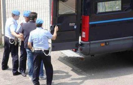 Carceri, identificati 16 agenti per gli insulti su Fb al detenuto suicida