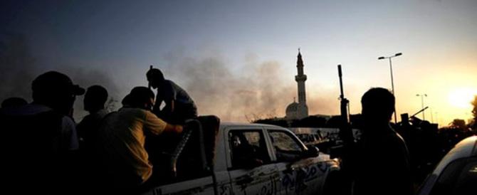 Il premier libico: il mondo ci aiuti. Renzi attendista: la guerra? Ancora no