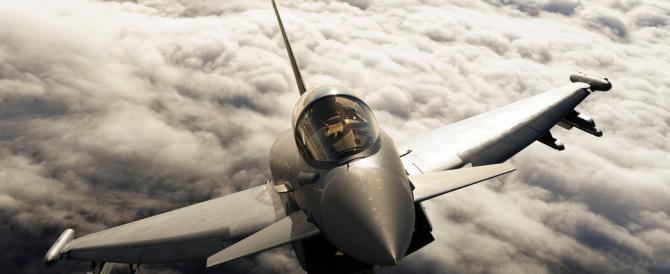 Aereo Da Caccia Russo : Prove di guerra fredda caccia italiani intercettano aereo