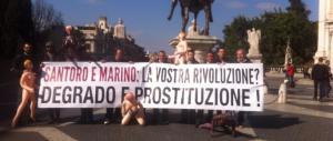 Roma a luci rosse? Forza Italia porta bambole gonfiabili a Ignazio Marino
