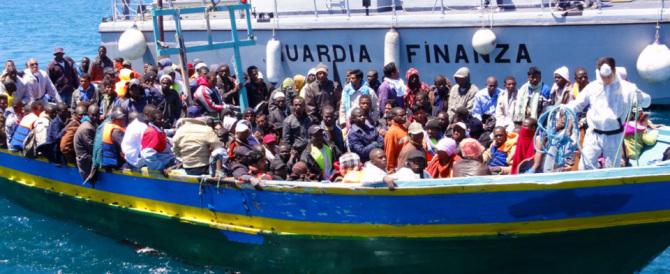 Immigrazione: ogni migrante ci costa 1000 euro, gli invalidi italiani 280