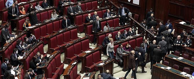 Italicum, fino al 4 dicembre la legge non si tocca. Renzi in mezzo al guado