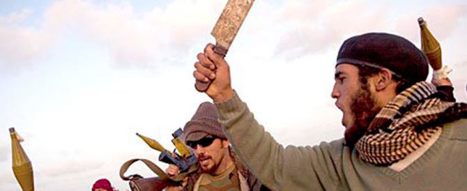 Orrore in Libia: 40 teste mozzate trovate in un campo d'addestramento