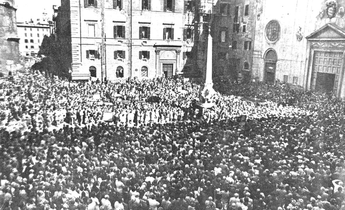 I funerali di MIkis Mantakas a Roma