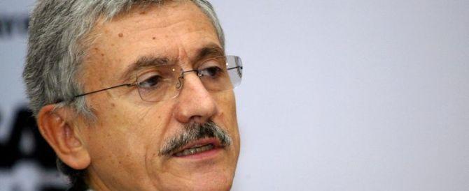 D'Alema accusa: i renziani come Stalin mi cancellano dalle foto…
