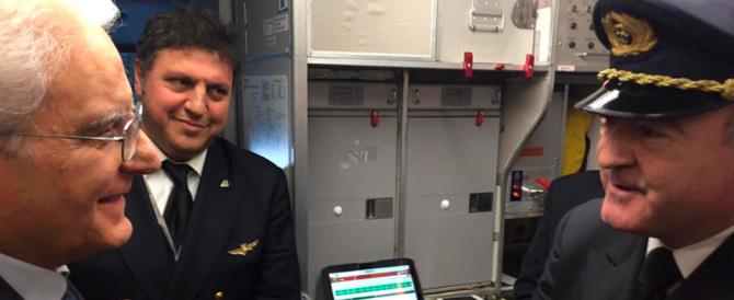 Niente volo di Stato: per la visita privata Mattarella sceglie Alitalia