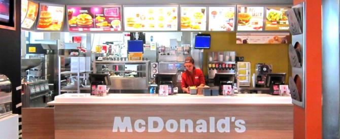Il McDonald's del Vaticano non chiude: offrirà panini gratis ai barboni