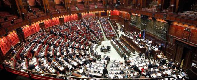 """Parlamento imbavagliato, sul Milleproroghe arriva l'ennesima """"fiducia"""""""