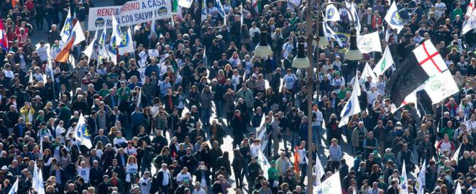 L'abbraccio della piazza a Salvini è un messaggio per tutto il centrodestra