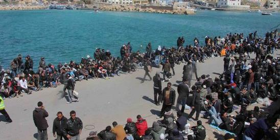 Allarme Lampedusa, è un hotspot a cielo aperto. Il sindaco va da Minniti