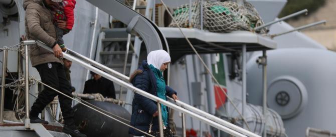 Sbarchi, un flusso ininterrotto: altri 319 migranti approdati a Salerno