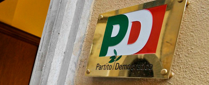 Non c'è pace nel Pd. Bassolino: «A rischio la sopravvivenza del partito»
