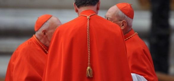 Scontro in Vaticano sui buchi di Idi e Ior: rivelazioni choc dell'Espresso