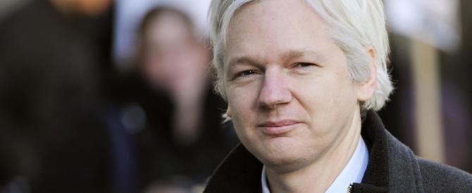 Assange chiede asilo alla Francia: «Rischio la vita». Ma Hollande dice no