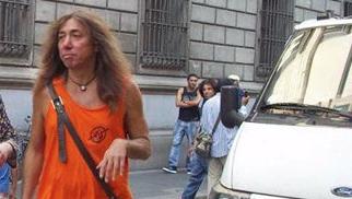 Compagni che sbagliano (la mira): bottigliata mette ko il leader Bargellini