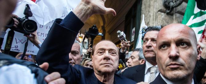 "Festa in piazza per Berlusconi. E Silvio scherza: ""Bunga bunga per tutti"""