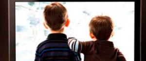 I minori crescono a pane tablet: il Censis denuncia usi e abusi di tv e pc