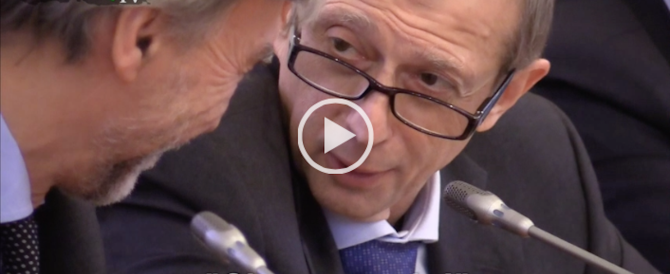 Il fuorionda di Fassino e Delrio su Renzi: Matteo? Che gran paracu…! (Video)