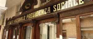 Napoli, truffa all'Inps: assunzioni fittizie per i permessi di soggiorno